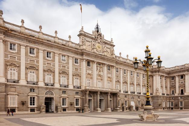 نمای مدرن ساختمان ، نمای کلاسیک ساختمان