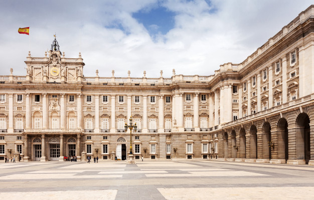 نمای ساختمان مدرن ، نمای کلاسیک
