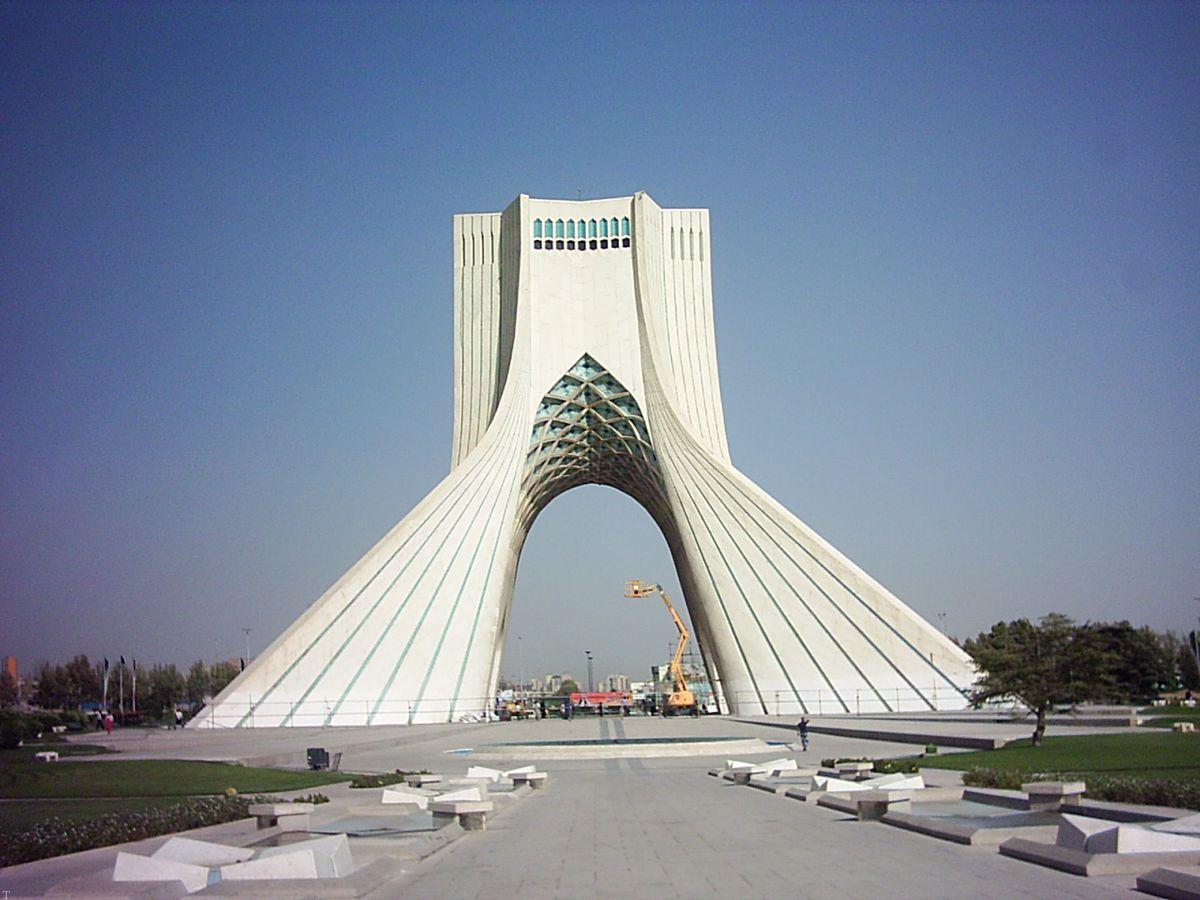 معرفی بنای میدان آزادی تهران